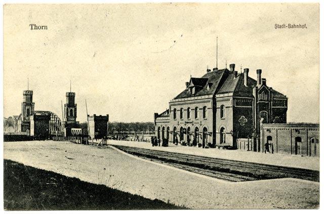 Kolejowy dworzec miejski na pocztówce sprzed I wojny światowej.